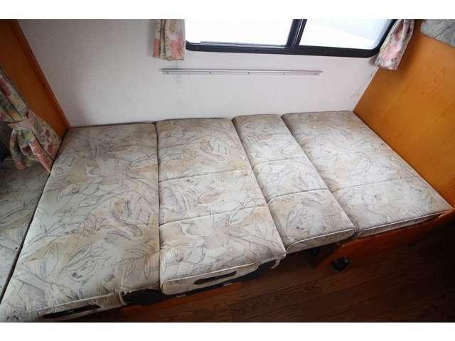 ダイネットベッドは190×90!