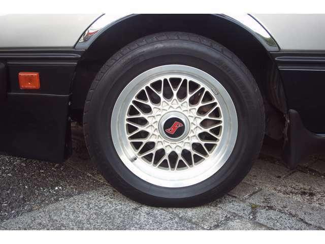 タイヤの溝もしっかり残っています