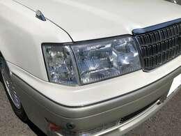 ヘッドライトも高い透明度を保っています。
