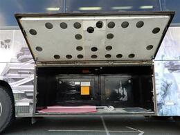 荷物をたくさん積める広々とした収納がついています!!