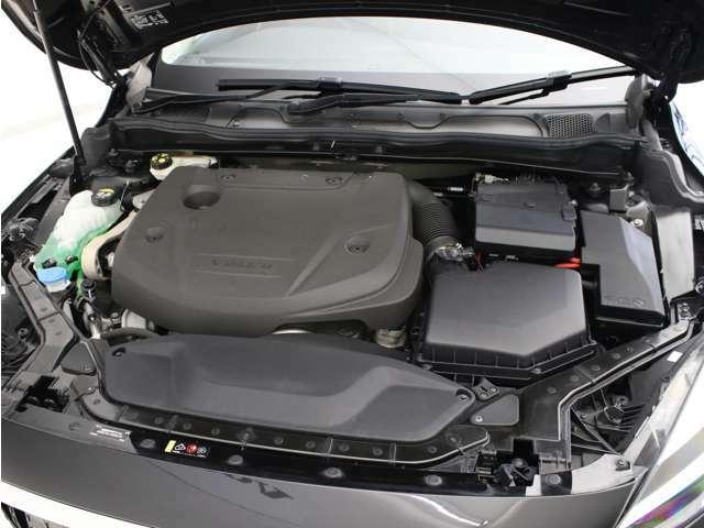 洗練されたクリーンディーゼルターボエンジンが、燃料消費を抑えながらも力強い走りを生み出します。