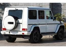 ボディーカラーは70台限定のdesignoミスティックホワイトとなっております。
