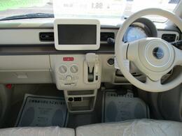 純正オプションのほか、社外品のナビや用品も取り揃えております。