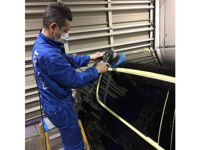 Bプラン画像:ご納車時の輝きが違います!経年劣化を防ぎます!ボディを丹念に磨き上げた後にG'zoxコーティングを施工致します!