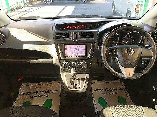 運転席廻りの画像です!操作スイッチ類も比較的に綺麗な状態です♪他に詳細画像をご希望の方はこちら!【1st@e-g-a.co.jp】へご連絡ください!