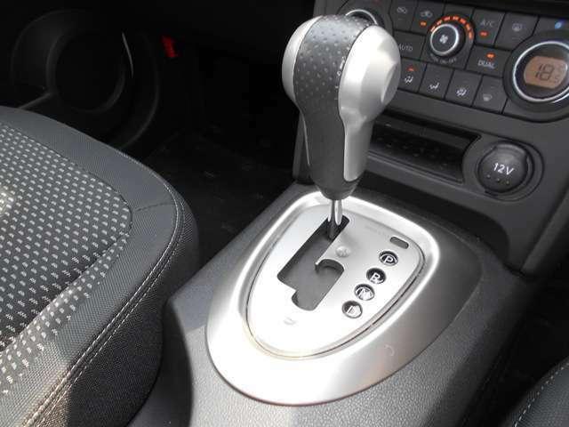 ATはマニュアルモード付きなのでMT車のような走行が可能です。