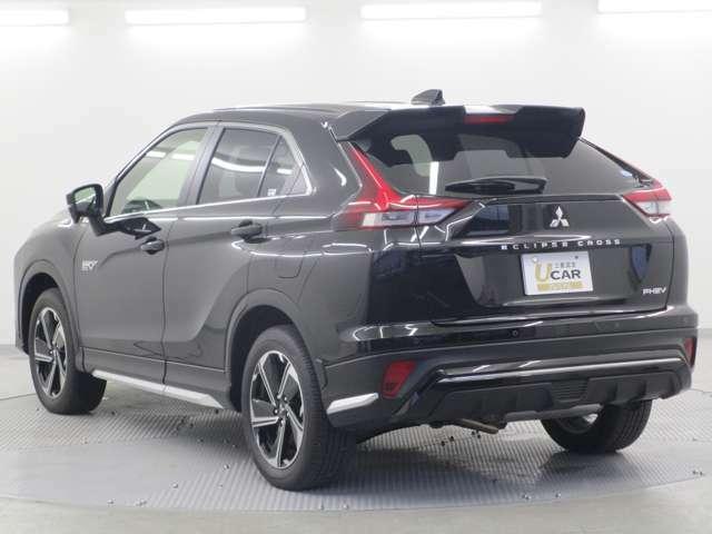 長さ:454cm 高さ:168cm 幅:180cm 走行安定性の高いSUV車です。存在感を強調するエンジンフードエンブレム(メッキ調・ディーラーオプション品)