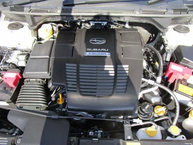 スバルのAWD!!水平対向エンジン+左右対称の4WDで安全、安心のスバルです♪