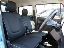 ベンチシートを採用することにより、シートスペースをより広く感じさせてくれます!