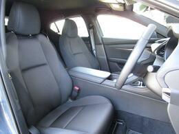 人間工学を基に設計されたシートは長距離運転でも疲れにくく、リラックスした姿勢で運転をすることが出来ます!