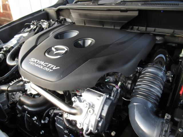 1.5リッターディーゼルエンジンを搭載。スカイアクティブテクノロジーで開発された新世代の低燃費かつハイパワーなエンジンです。