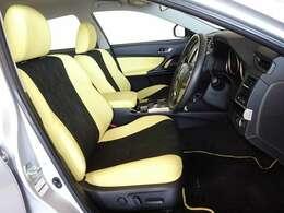 心地良さを追求した、機能性の高いシートです。パワーシートを搭載してます。