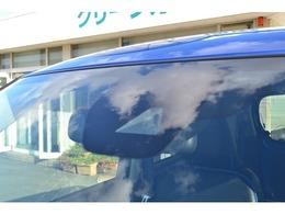 フロントカメラで前方車両や歩行者を検知で衝突被害の軽減をアシストします。