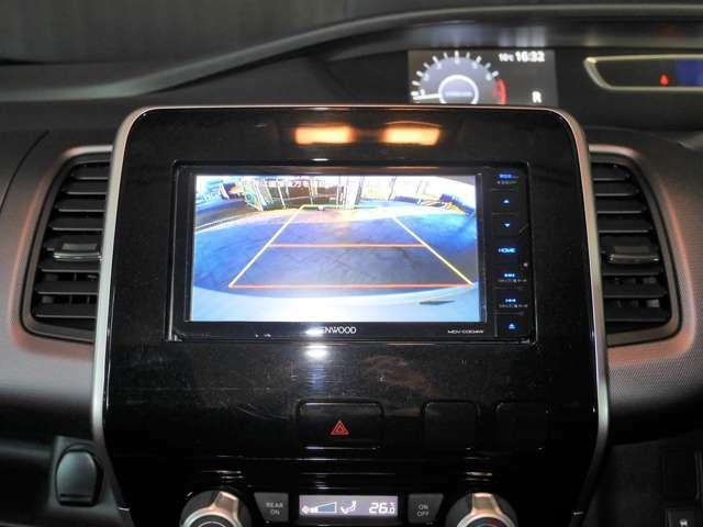 バックモニター搭載で、駐車時もラクラクです!これがあれば運転に自信がない方も安心です!