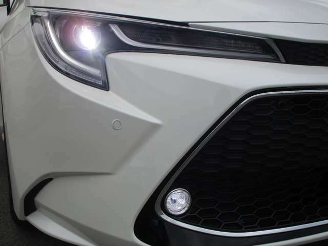W×B専用 メッキ枠付ツヤ有ツヤ有ブラックハニカムメッシュフロントグリル&メッキ加飾付LEDフロントフォグランプです!