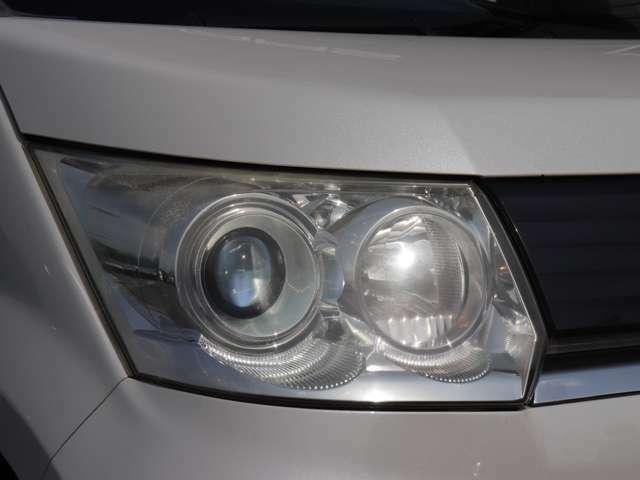 【HIDヘッドライト】どうしても経年劣化で黄ばんでしまうヘッドライトですが全台磨いておりますのでとっても綺麗です!これだけで新しい車に見えちゃいますね!