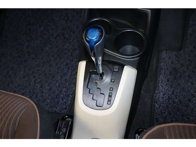 ナビゲーション ETC ドライブレコーダーの取り付けも行っています。部品持込でもOK