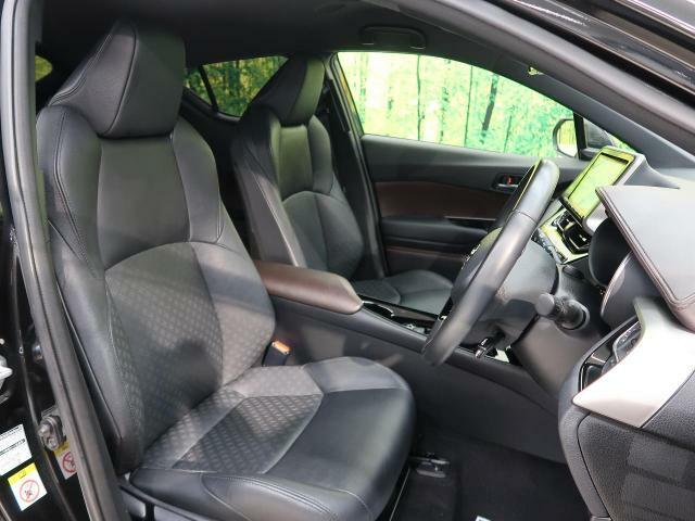 高級感たっぷりの「ブラックレザー調シート」!!車内の高級感を与えてくれるので、優雅にドライブをお楽しみいただけます♪座り心地もバッチリです☆是非一度ご体感下さいませ!!