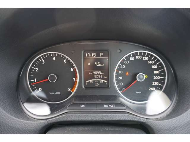 走行距離はオートオークションにより走行距離管理システムにてチェック済みです。