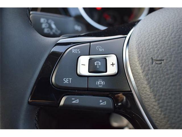 アダプティブクルーズコントロール(安全な車間距離をキープ)、レーンキープアシスト(車線逸脱の検知)、渋滞時追従支援システム、レーンチェンジアシスト(安全な車線変更をサポート)搭載。