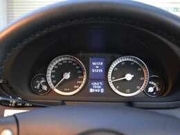 実走行「51,215km」警告灯の点灯などなく機関良好です。