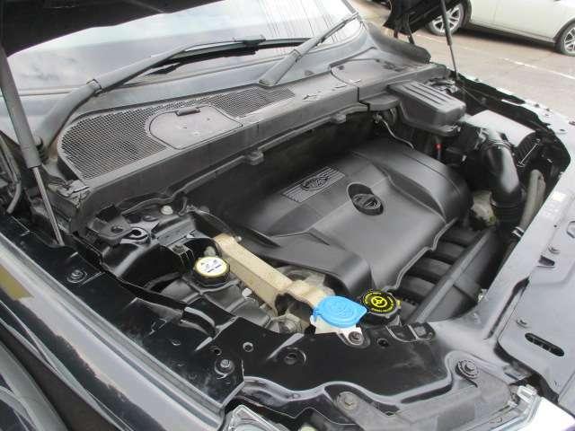 エンジンルームは当店にてクリーニング済み♪エンジンは吹け上がりも良く変速スムーズです♪アイドリング時の異音等もございません♪