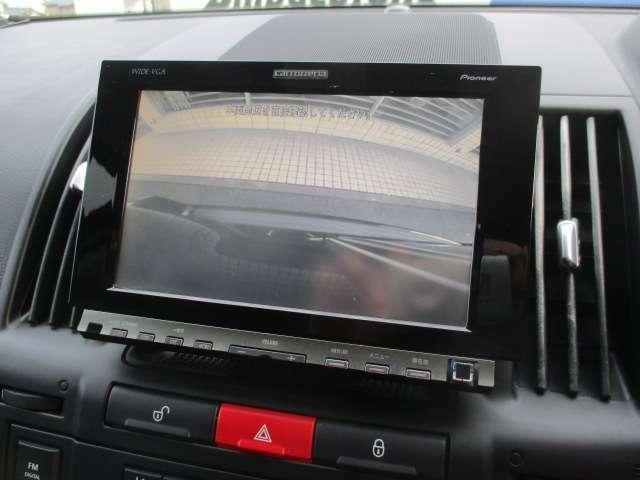 カラーバックカメラも装備されております♪後方の障害物や停止位置の確認にとても便利です♪