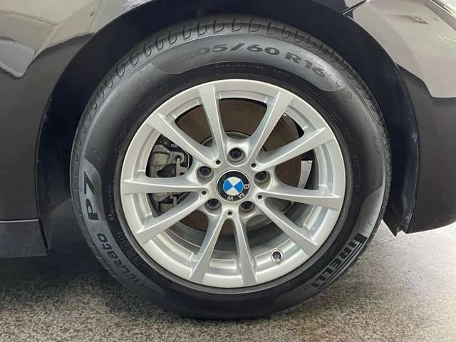 ●BMW認定中古車は納車前点検にて100項目にわたる個所の点検・整備を行います。BMWが定める交換基準に達した個所は整備のうえ御納車させていただきます。(車両の年式により整備内容が異なります)