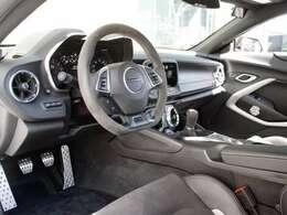 外装白、内装ブラック 実走行0.1万キロとほぼ新車です とても綺麗な状態です