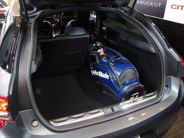 輸入車のジャンルでこのサイズのユーティリティーワゴンは少なくお洒落に使いこなしてください!!