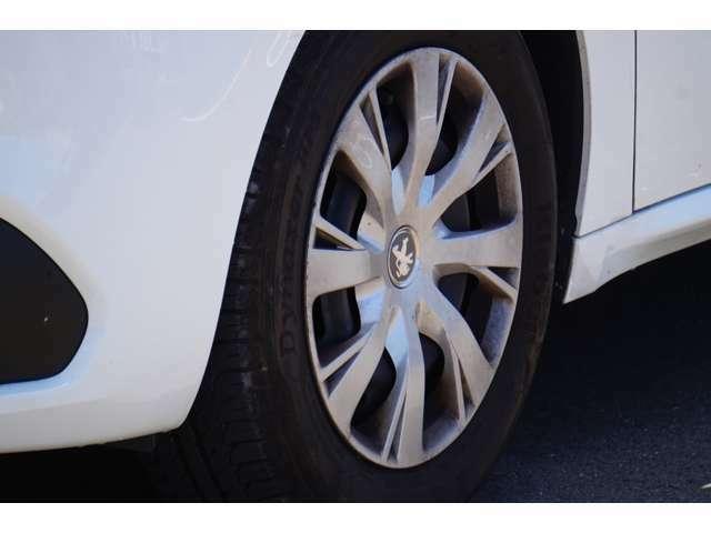 タイヤの状態が悪い場合はご相談ください。新品5000円~ご案内できます。