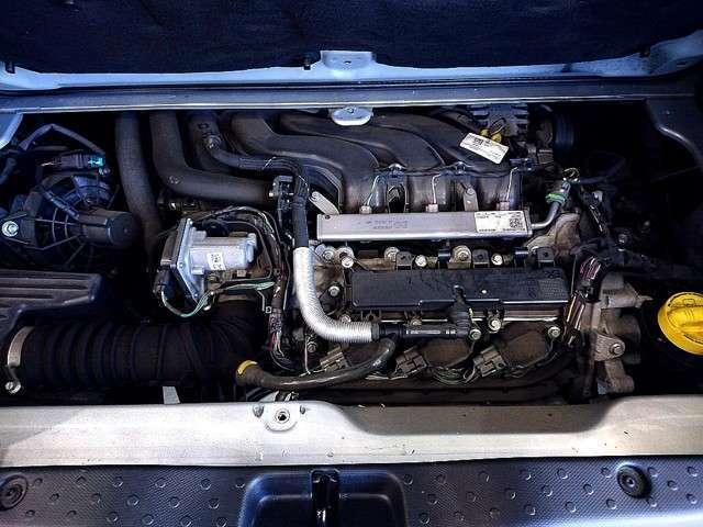ターボエンジン   カタログ値 90馬力 燃費21.7K アイドルストップもしっかり装備されてますよ 6速ツイナミックでマニュアル感覚の走りも魅力ですね