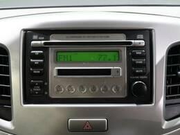 ●純正CDオーディオ『お好きな音楽を聞きながらのドライブも快適にお過ごしいただけます。もちろん、お好みの社外ナビなどのお取付もオススメです☆只今店頭にて好評発売中です!!』