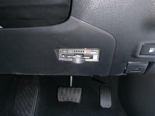 ETC車載器を装備しております。