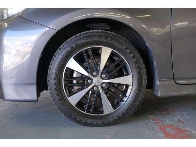 フロントタイヤです。冬季スタッドレスタイヤも取り扱っております、御一緒にいかがですか?