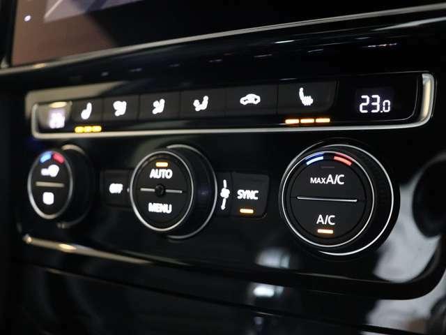 車内の空調はオートエアコンにお任せください♪シートヒーター付きです!