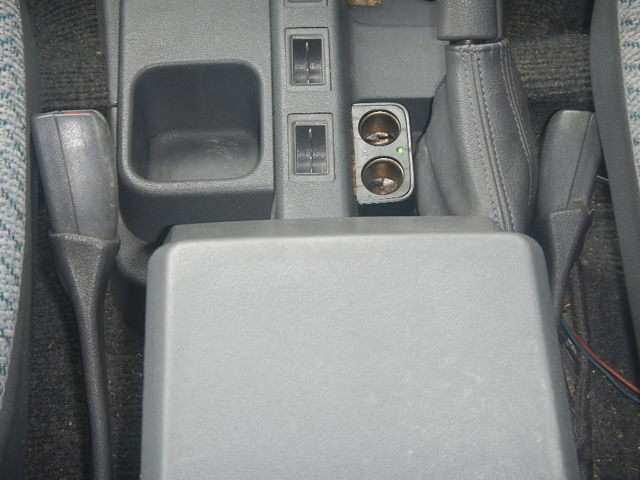 DC/DCコンバーター付きで12Vソケット使えます!
