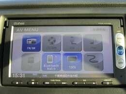 純正メモリーナビです。DVD/CD再生のほかにもワンセグTV、も装備されとっても便利です♪