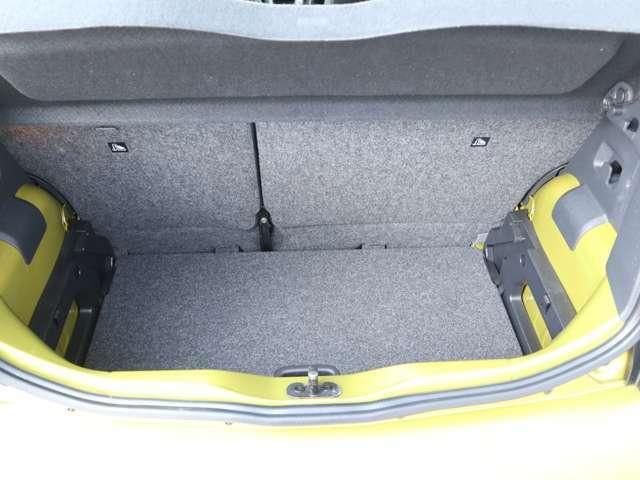 全国御納車どこでも御納車可能です!!保証もお近くの正規ディーラーにてお受けすることが出来ますので購入後も安心して御乗りできます!!詳細は御問い合わせ下さいませ。