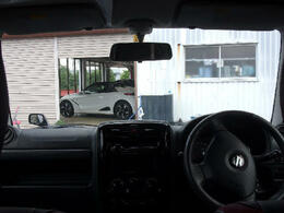 ☆当店は茨城県内に20店舗の営業所を構えております!車検・整備・板金・保険とお車の事は全てナオイオートにお任せ下さい!また、全車に保証が付きます!最長の2年保証も承ります!お気軽にご相談して下さい!