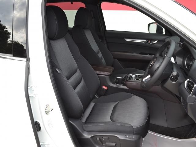 【パワーシート】2ポジションのメモリー機能付の10Wayパワーーシート!シートヒーターは座面と背面に設置されで冬も快適♪
