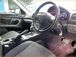 販売しているお車は整備士の私、自ら厳選して仕入れたクルマですので安心してご購入下さい。。