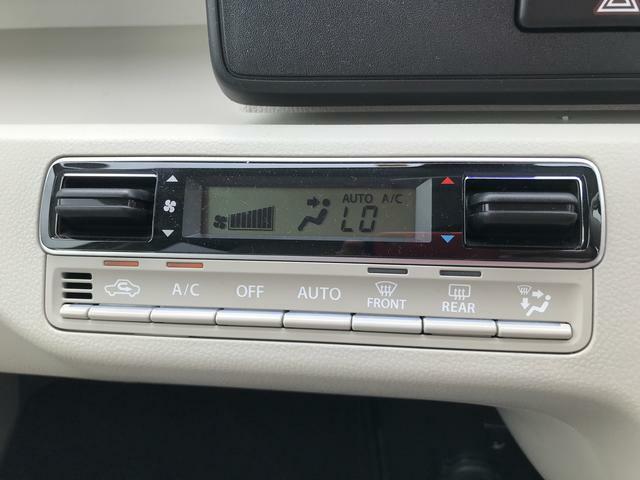 エアコンはオートなので自動で温度や風量を調節してくれます。