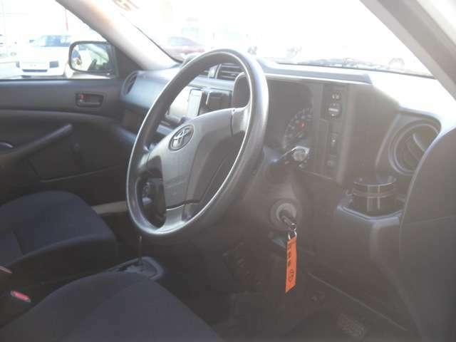 ご来店前に一度ご連絡いただけるとお車をスムーズに紹介させていただきます。ピットインオート直通0566-48-4566 担当:青木