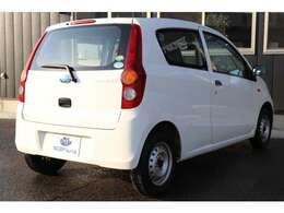 全車に安定した制動性能を実現する4センサー4チャンネルABS(EBD付)を採用。