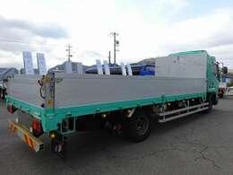 DPD:排出ガス浄化装置(アドブルー不要) HSA:坂道発進補助装置 暖機スイッチ:エンジンの回転数を上げ、水温を上昇させる アイドリングストップ機能 ディスチャージヘッドランプ ハロゲンフォグランプ