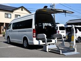 トヨタ ハイエースコミューター ウェルキャブDタイプ 車いす4名タイプ