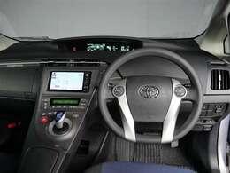 【インパネまわり】当社、専用ラインにてルームクリーニングを施しております。当社自慢のお車を是非ご確認ください。
