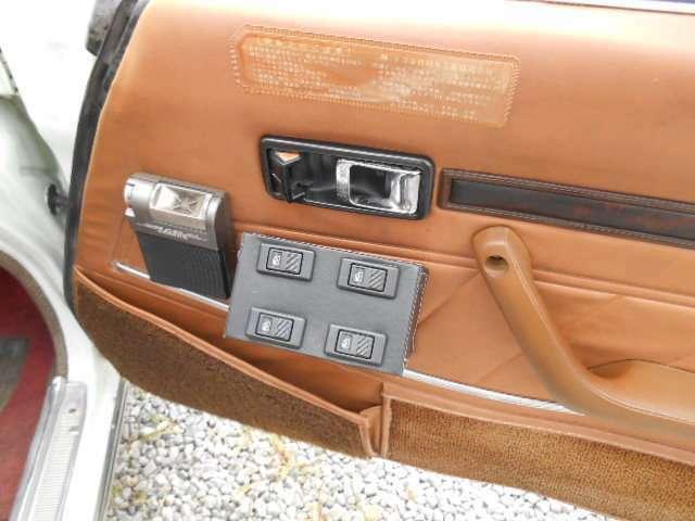 運転席のみPWスイッチ新品変更済