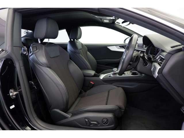 Audi A5のデザインと走りをさらにスポーティにグレードアップするS lineパッケージを装備しております。スプリントクロス/レザーを採用しS lineロゴが刻印されております。